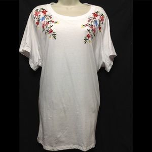 Women's size 26/28 WOMAN WITHIN embroidered tee